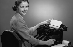 Woman_Typing